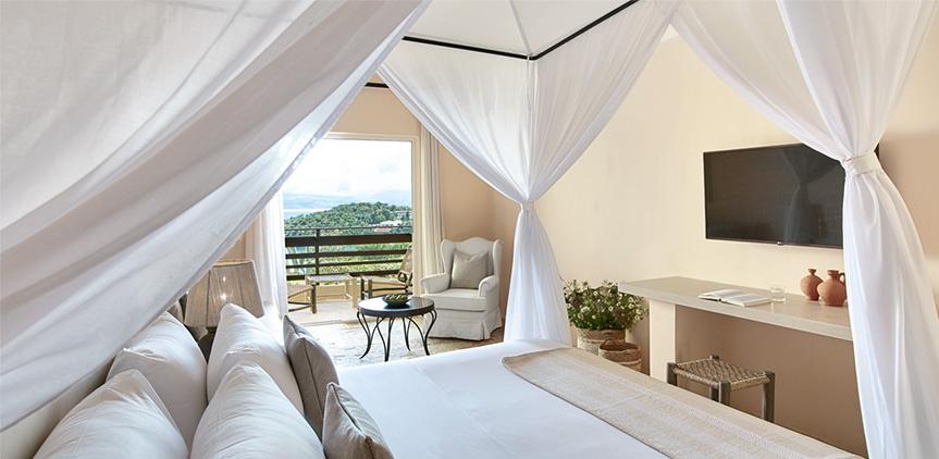 02-Daphnila-Bay-Luxury-Bungalow-Garden-View