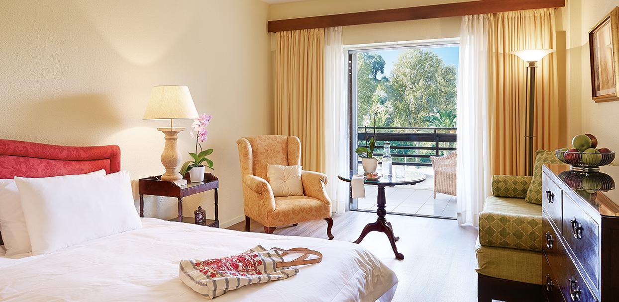 Double-Rooms-in-Corfu-at-Daphnila-Bay