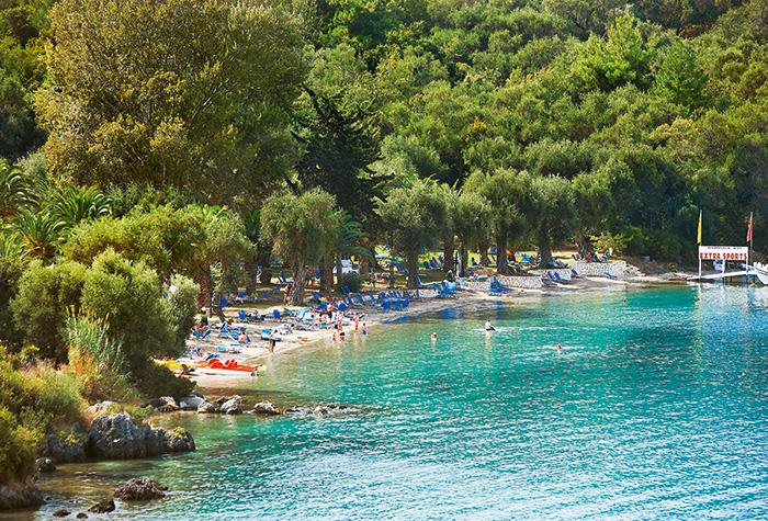 Fine-Sandy-Beaches-in-Corfu-and-Pools-of-Daphnila-Bay
