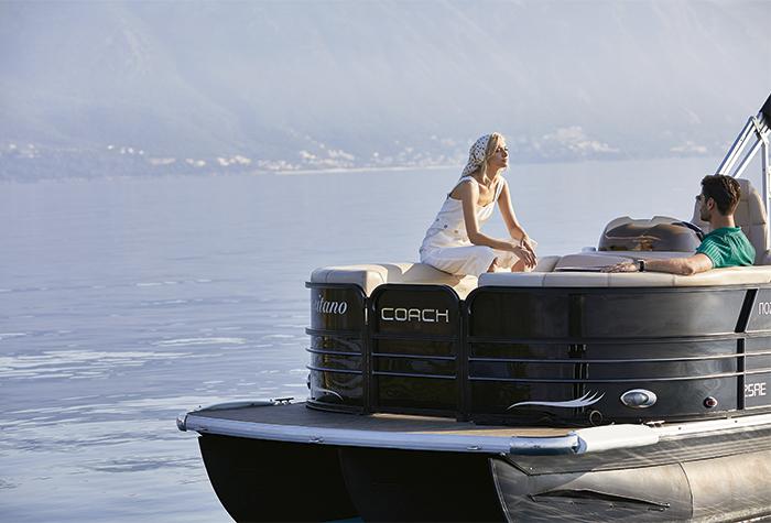 luxury-sea-transfer-pontton-boats