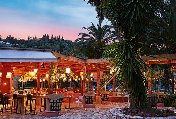 01-giardini-di-olivo-dining-at-daphnila-bay-corfu-island