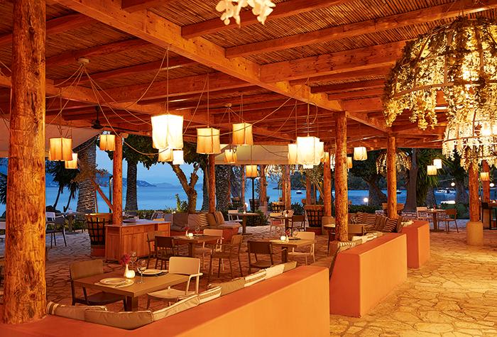 02-giardini-di-olivo-dining-at-daphnila-bay-corfu-island