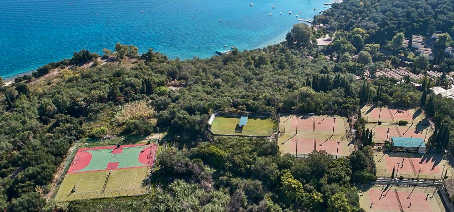 08-daphnila-bay-dassia-spectacular-tennis-park