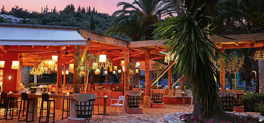 giardini-di-olivo-restaurant-in-daphnila-bay-corfu