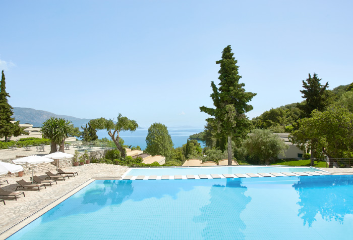 01-daphnila-bay-luxury-hotel-pool-corfu