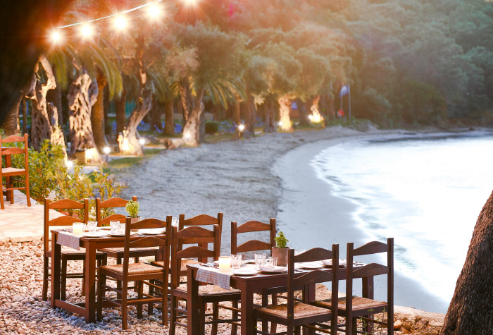 01-fine-dining-in-daphnila-bay-resort