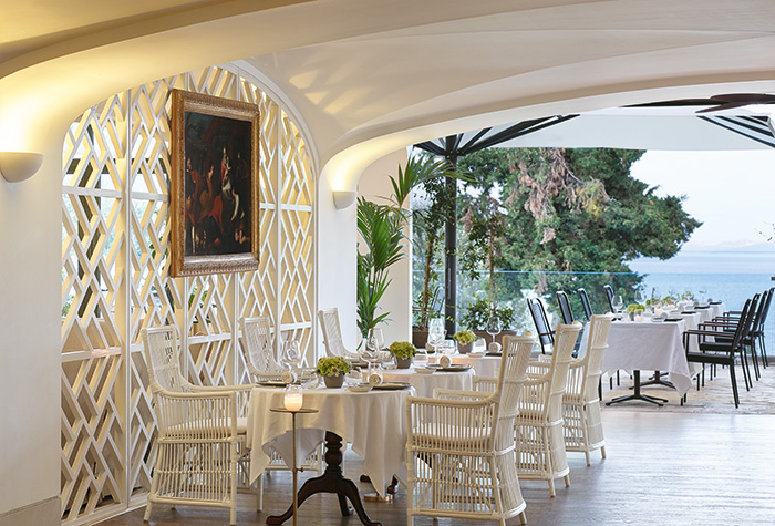 02-restaurants-daphnila-bay-luxury-resort-corfu