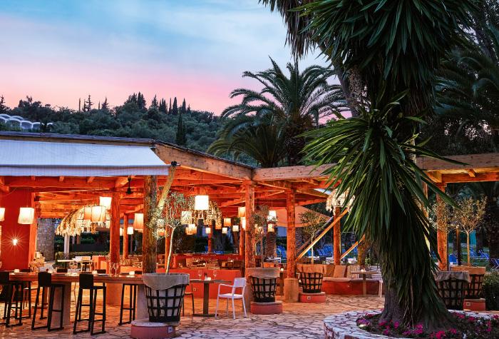 03-fine-dining-daphnila-bay-resort