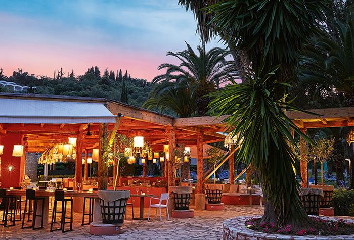 All-Inclusive-Dining-in-Corfu-Island-daphnila-bay