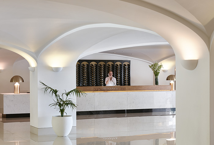 daphnila-bay-dasia-luxury-hotel-services