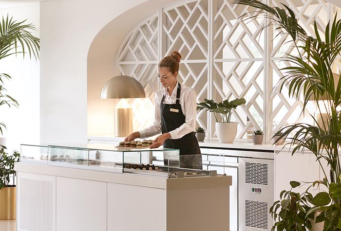 Daphnila-Bay-Dassia-Services-luxury-resort