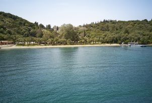 03-Daphnila-Bay-Dassia-corfu-location-family-resort