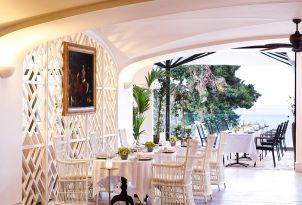 14-restaurants-bars-daphnila-bay-dassia-corfu
