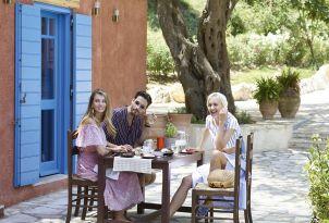 15-authentic-dining-corfu-daphnila-bay-dassia
