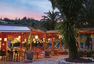 18-restaurant-in-daphnila-bay-corfu-island
