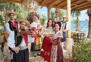 23-Daphnila-Bay-Dassia-family-holidays-entertainment