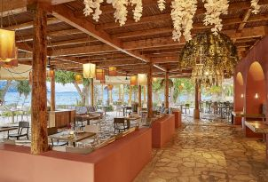 26-seafront-dining-at-daphnila-bay-in-corfu