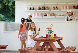 40-gelateria-creperie-daphnila-bay-resort-corfu