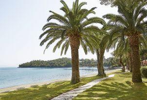 6-Daphnila-Bay-Dassia-relaxed-family-vacation